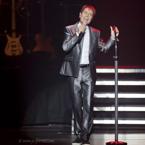 Concert, Liverpool, Live event, Cliff Richard
