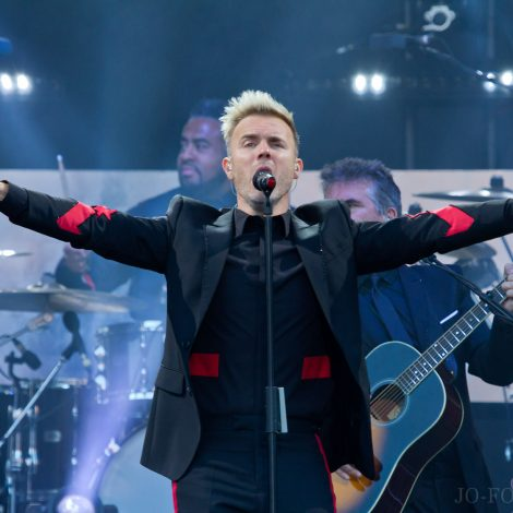 Gary Barlow, Scarborough, Music, Jo Forrest, Review, Open Air Theatre
