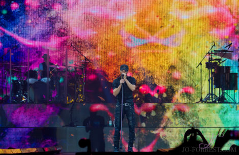 Enrique Iglesias, Manchester, Music, American, Jo Forrest, Review