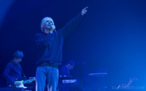 james & The Charlatans, Review, Jo Forrest, First Direct Arena, Leeds